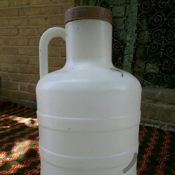 آبخوری در پرورش مرغ بومی